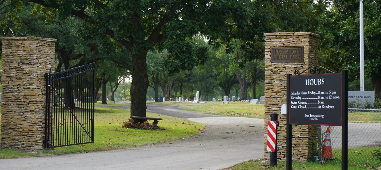 Rosemound Cemetery - the header image